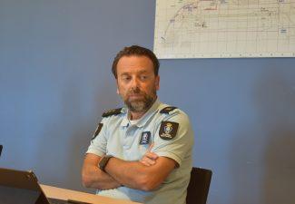 De Koninklijke Marechausse en het Korps Politie Caribisch Nederland (KPCN) vormen onderdeel van de 'blauwe kolom' in het EBT.