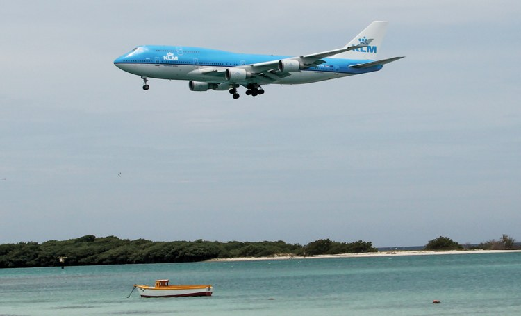Luchtverkeer Aruba langer gesloten