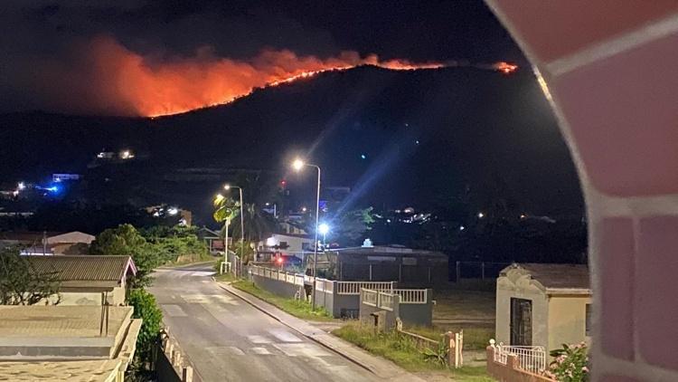 Sint Maarten getroffen door grote bosbranden