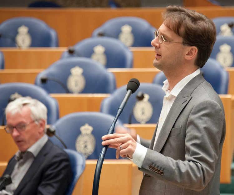 COLUMN: Minister Blok moet optreden in het grensconflict met Frankrijk