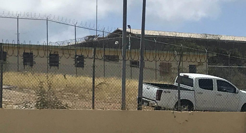 Raad komt met kritisch rapport vreemdelingenbewaring op Curaçao