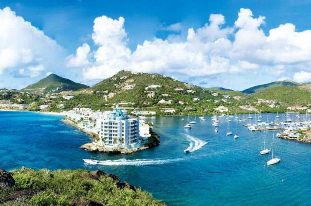 Minister Blok zoekt pragmatische oplossing voor Sint Maartens restaurant