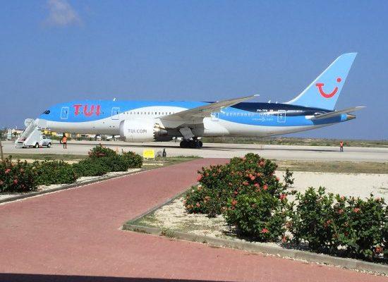 Recordaantal wekelijkse TUI-vluchten naar de Antillen deze zomer