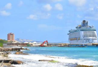 Cruisebemanningen Curaçao gewisseld