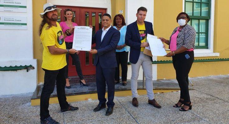 Bijna 6000 handtekeningen voor milieumaatregelen op Curaçao