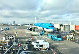 Schiphol-topman: verre vluchten KLM moeten doorgaan