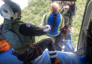 Kustwacht redt slachtoffers van Christoffelberg op Curaçao met helikopter