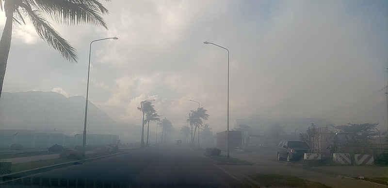 De vuilnisbelt op Sint-Maarten staat weer in brand