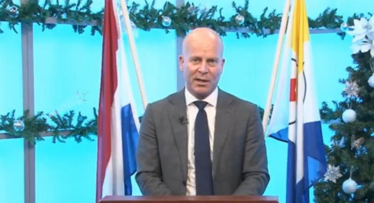 Knops geeft toe: 'Bepaalde zaken op Bonaire zouden sneller kunnen'