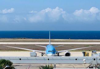 KLM moet toch hogere landings- en parkeergelden betalen op Curaçao