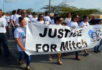 Hoge Raad oordeelt vandaag over agent fatale arrestatie Mitch Henriquez