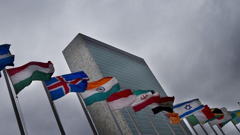 Nederland schort coronasteun Sint Maarten op vanwege racisme-klacht