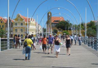 Emmabrug Curaçao gaat een maand dicht