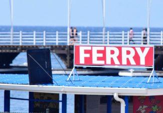 Pontjesbrug en ferry's buiten dienst op Curaçao, nu met bus naar de overkant
