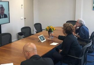 Koning Willem-Alexander spreekt over coronabesmettingen en vaccinatieprogramma op Curaçao