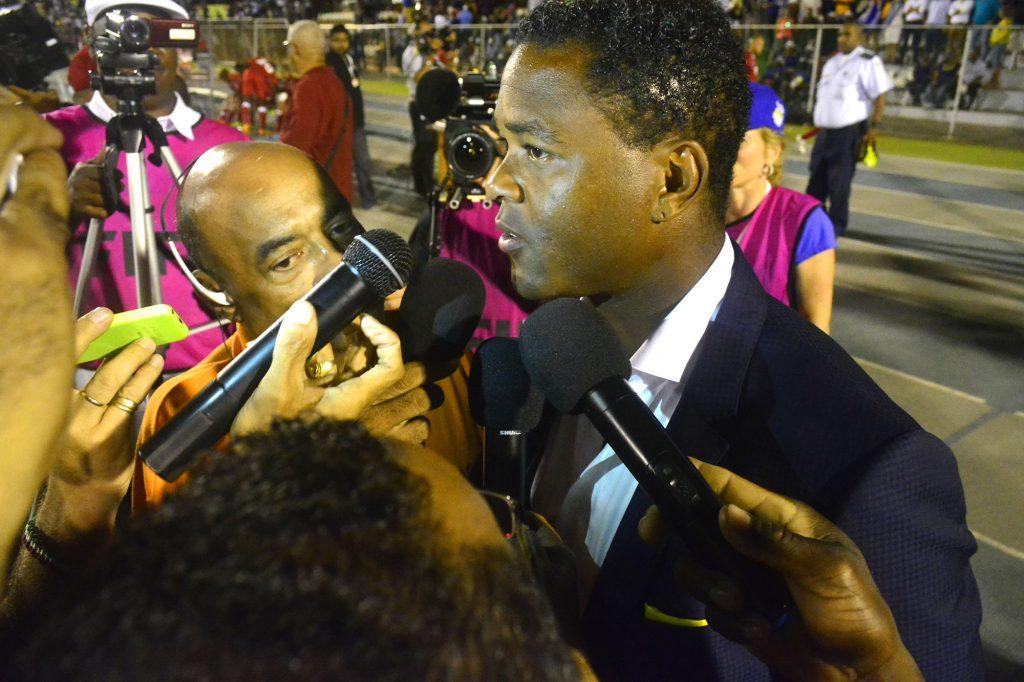 Kluivert voorlopig vervanger van zieke Hiddink op Curaçao