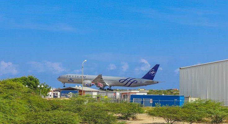 KLM Skyteam toestel landt voor het eerst op Bonaire en Aruba