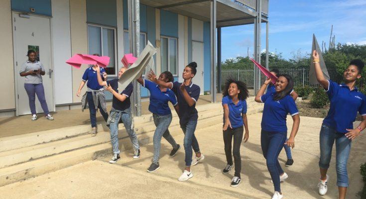 Jongens gelukkiger dan meisjes op Bonaire en Saba