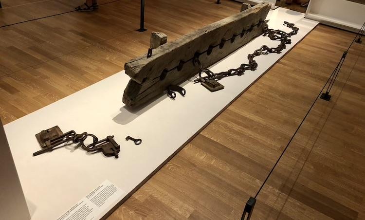 Slavernij tentoonstelling belicht menselijke kant van duister verleden