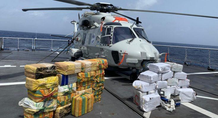 Marine doet twee grote drugsvangsten in één nacht op de Caribische Zee