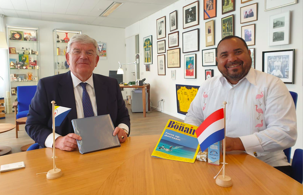 Gezaghebber Bonaire tevreden over samenwerking met Vereniging  van Nederlandse Gemeenten