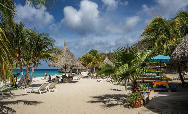 Reis naar Aruba, Bonaire of Curaçao tot honderden euro's goedkoper door twijfelende reizigers