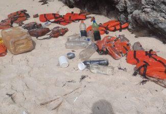 Weer bootje illegaal geland op afgelegen strand op Aruba