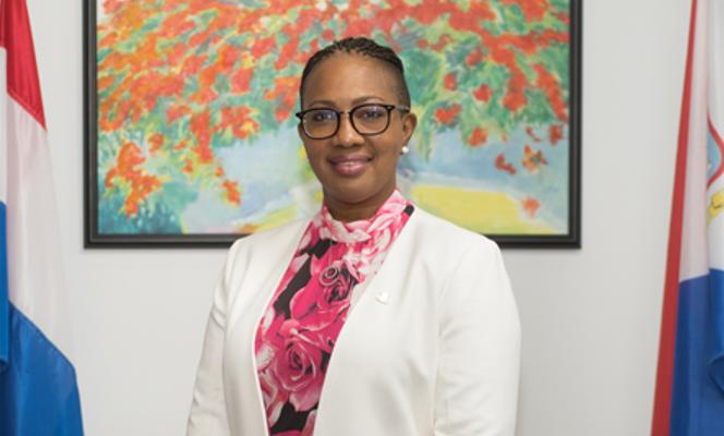 Premier Sint Maarten valt van fiets en breekt vinger